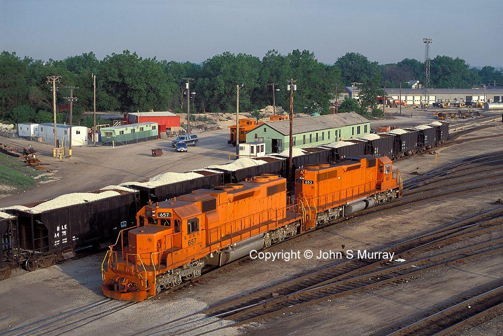 Ej Amp E Railway Sd38s Pass Ballast Cars In East Joliet Yard Photo 102422 169 John S Murray